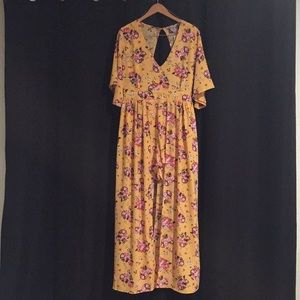 ***PRICE DROP*** NWT Boutique Yellow Floral Romper